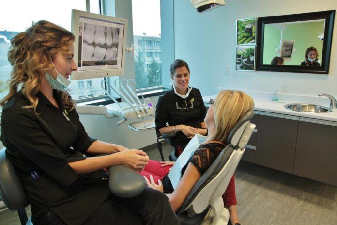 هزینه تحصیل در رشته دندانپزشکی در کانادا